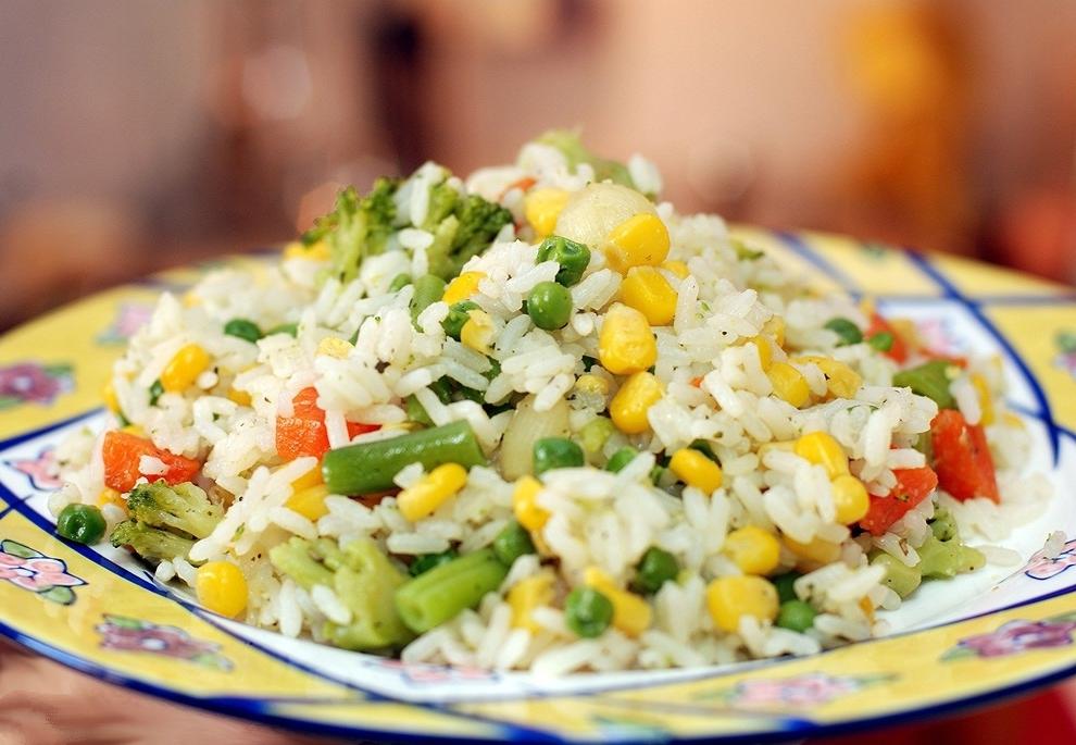 Гарнир из риса-басмати и овощей