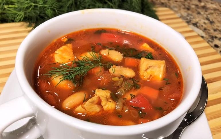 Густой куриный суп без картофеля: можно и на обед, и на ужин
