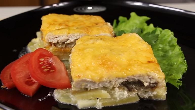 Картофельная запеканка с баклажанами и куриным филе: отличный ужин