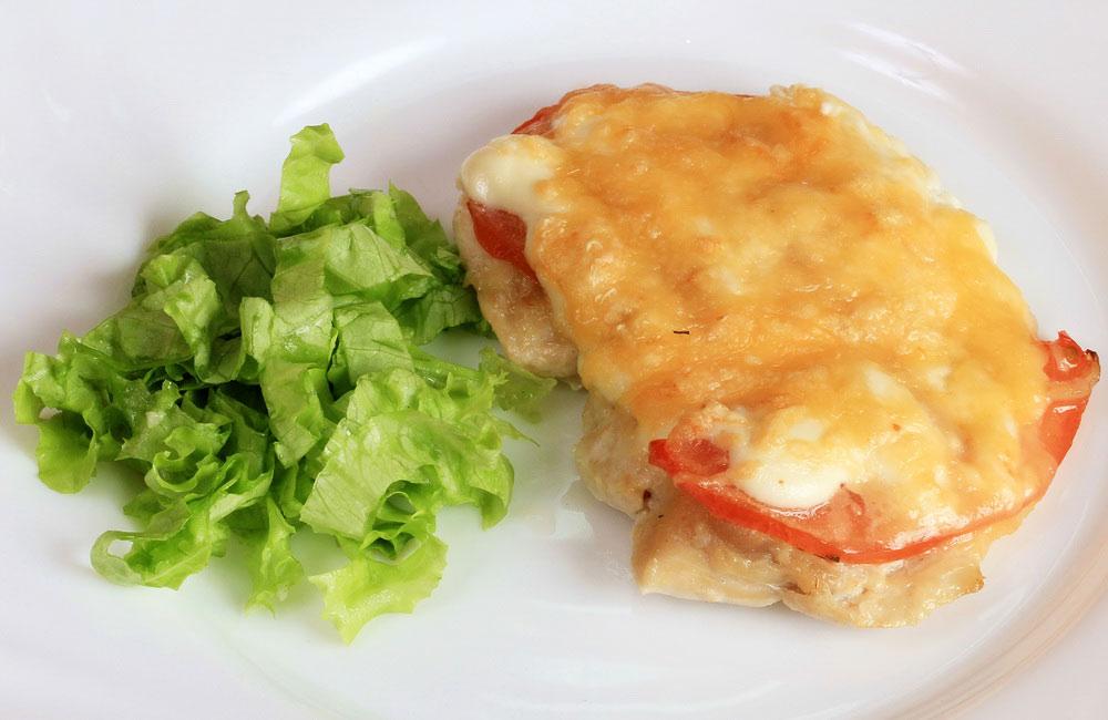 """""""Мясо по-французски"""" - диетический вариант с куриной грудкой"""