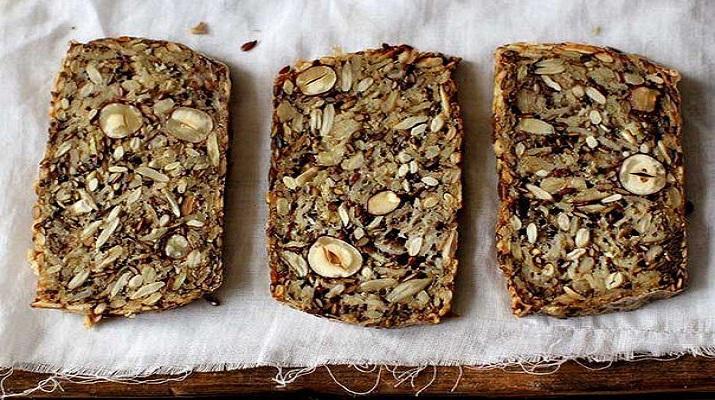 Очень полезный хлеб без муки и дрожжей