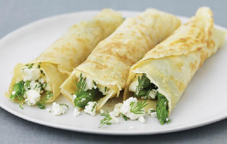 Вкусные блины со спаржей, сыром Фета и укропом: объедение