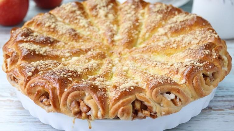 Слоеный яблочный пирог «Яблочные рожки»: оригинальный и вкусный