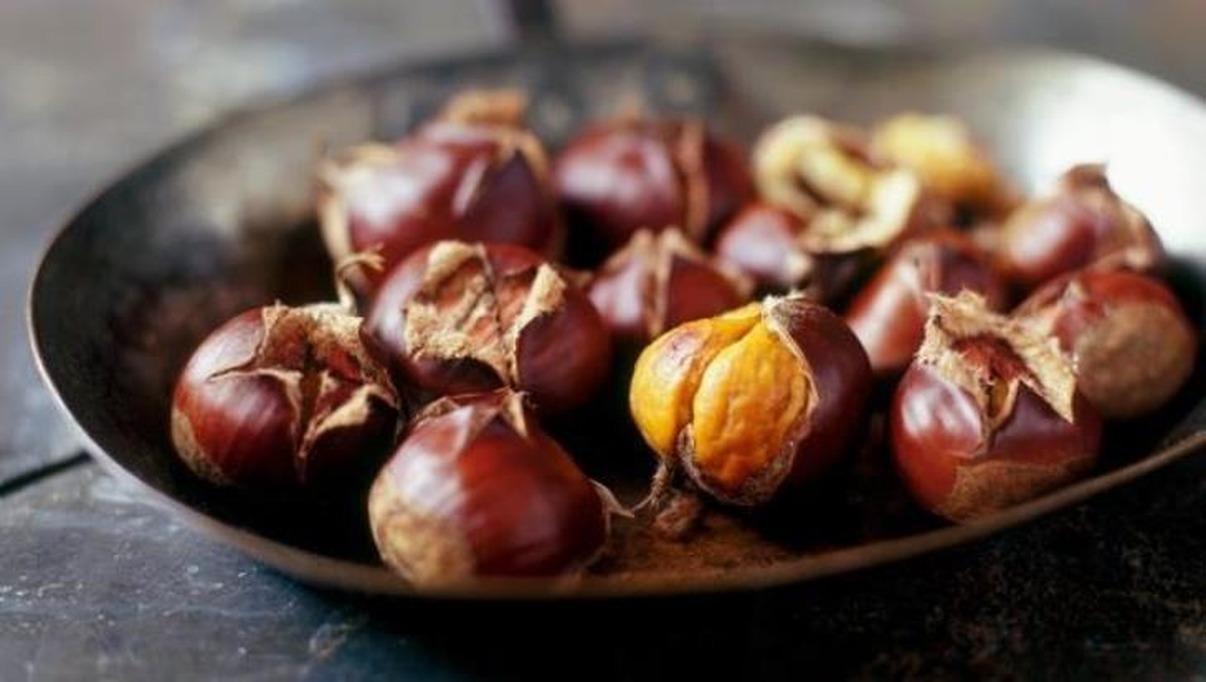 Осенняя вкусняшка-жареные каштаны