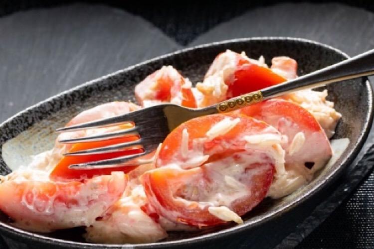 Простой, но очень вкусный салат из помидоров и риса