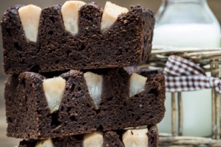 Восхитительный шоколадный пирог с грушами