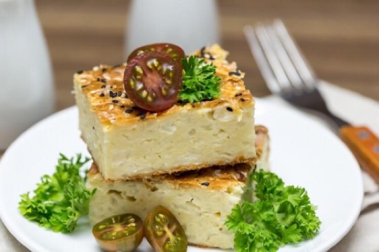 Очень аппетитный ленивый заливной пирог с капустой