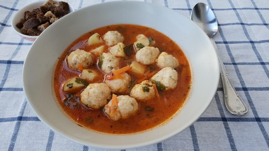 Турецкий суп с фрикадельками-отличная идея к обеду