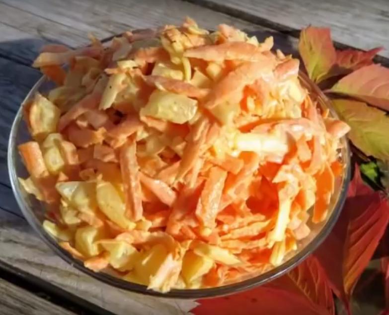 Новый вкуснейший салат с ананасами! Покоряет с первой ложки