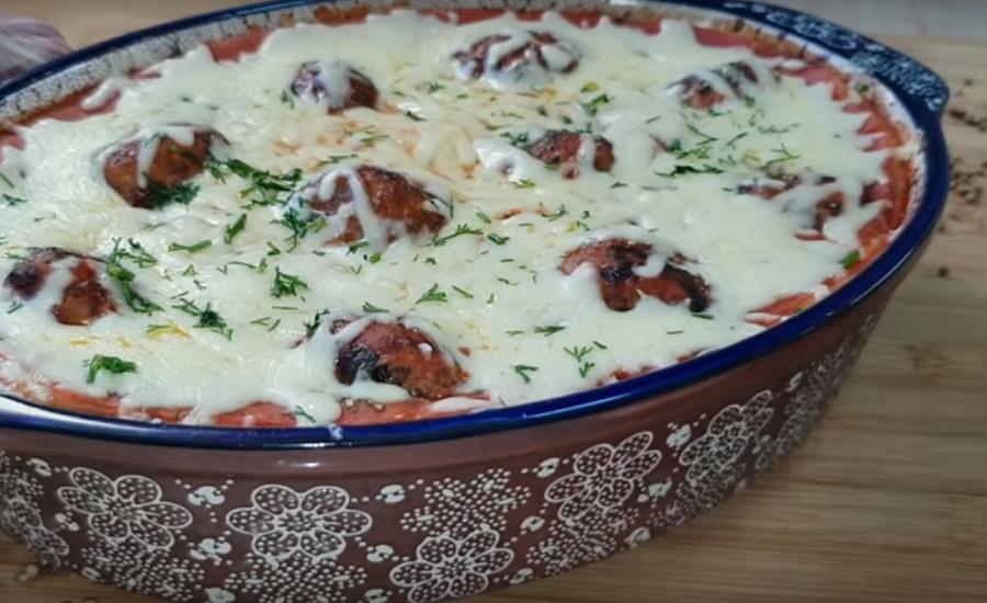 Запеканка из картофельного пюре с фрикадельками-вкусный ужин для большой семьи