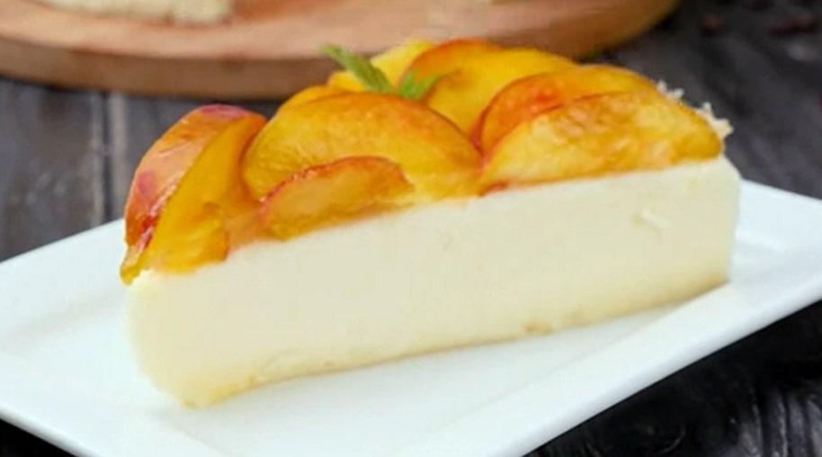 Бесподобный торт-суфле с персиками