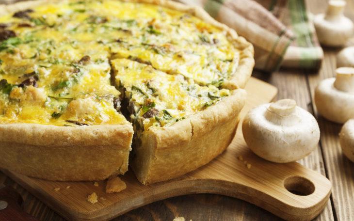 Открытый пирог с капустой и грибами на полезном тесте