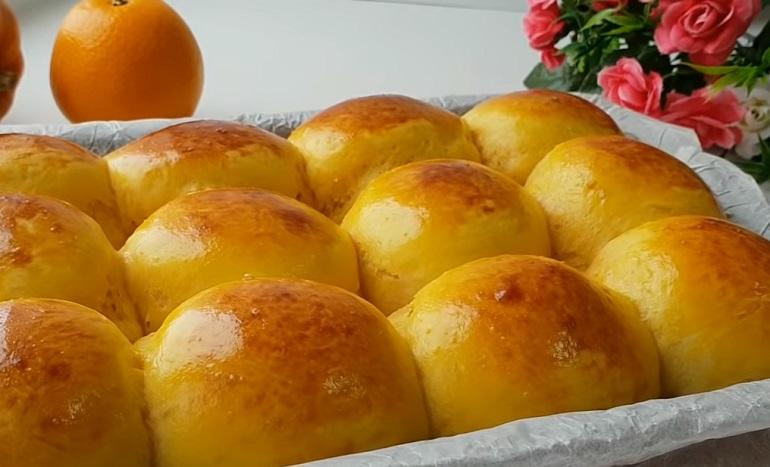 Ароматные желтенькие булочки: нежные, вкусные и воздушные