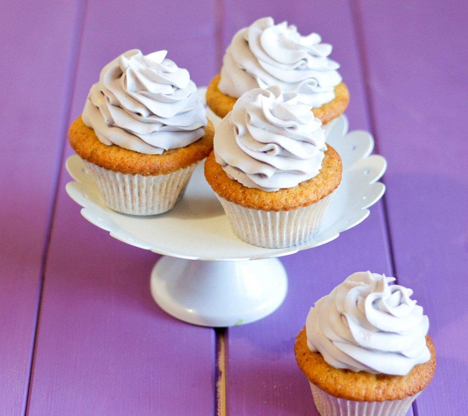 Нежные яблочные кексы с творожным кремом. Быстро, вкусно, оригинально