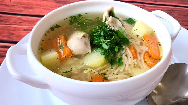 Куриный суп «Рыжик» с жареной вермишелью: бесподобное первое блюдо