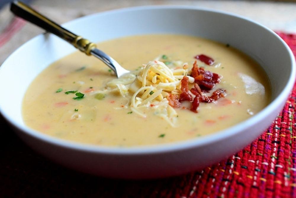 Пикантный картофельный суп-пюре с беконом