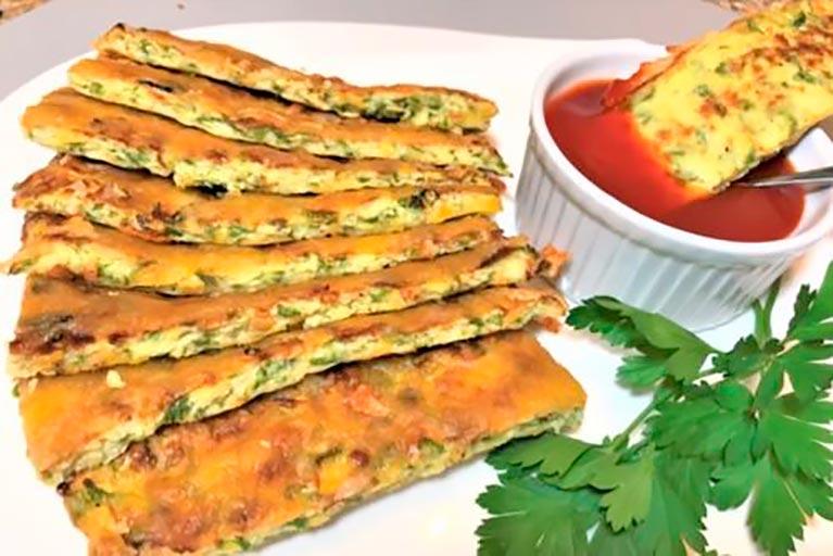 Невероятно аппетитные сырные хлебцы из кабачков