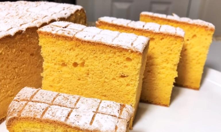 Яркий осенний бисквит с тыквенным пюре: выпечка к вечернему чаепитию