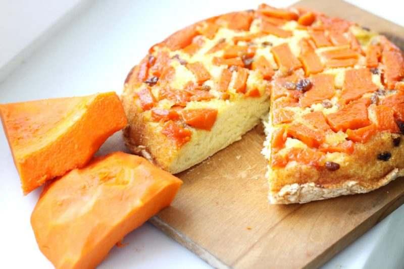 Вкуснейший пирог с яркими кусочками