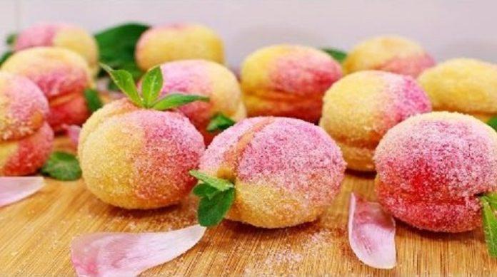 Очень вкусное пирожное «Персики»: потрясающий десерт родом из детства