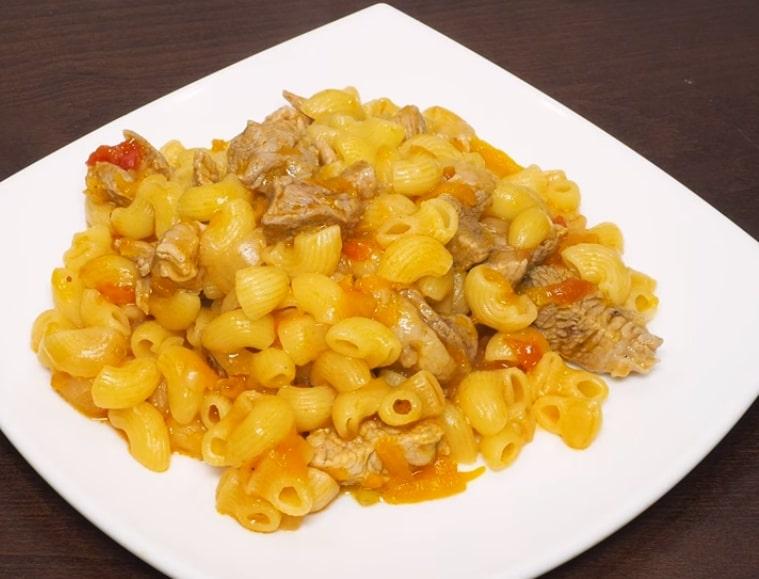 Готовим в мультиварке: отменные макароны с мясом