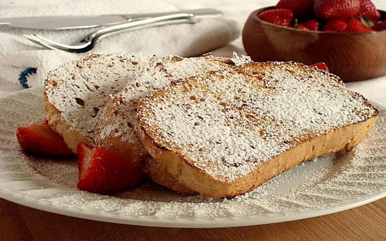Блюда из черствого хлеба: 10 идей для рачительных хозяюшек