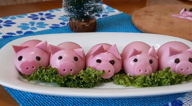 Интересные «Гламурные свинки»: символ Нового года и праздничная закуска для вашего стола