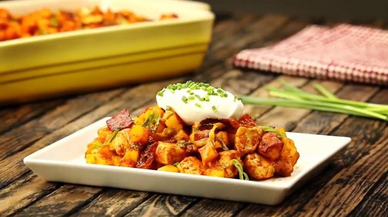 Курица с картофелем в остром соусе: ужин для любимого
