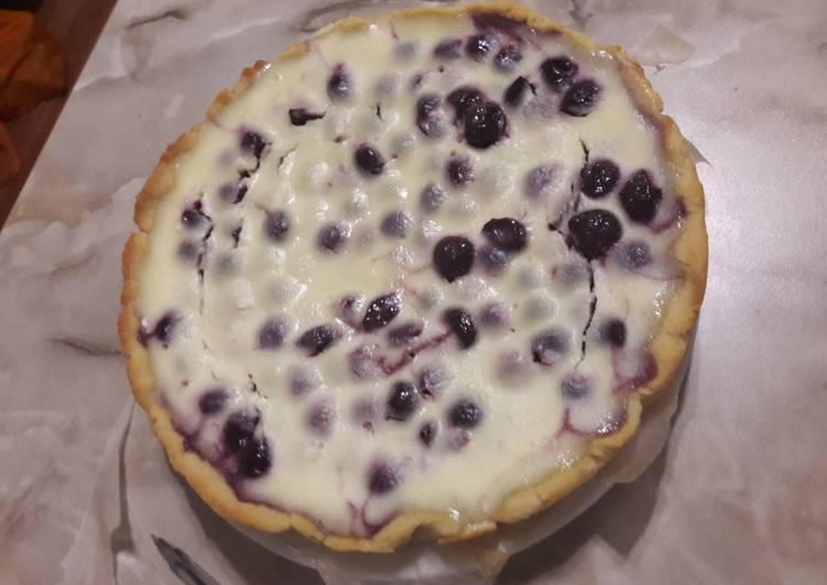 Восхитительный вишневый пирог в сметанной заливке