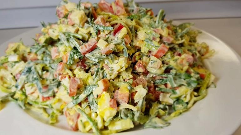 Вкусный праздничный салат «Быстринка»: название говорит само за себя