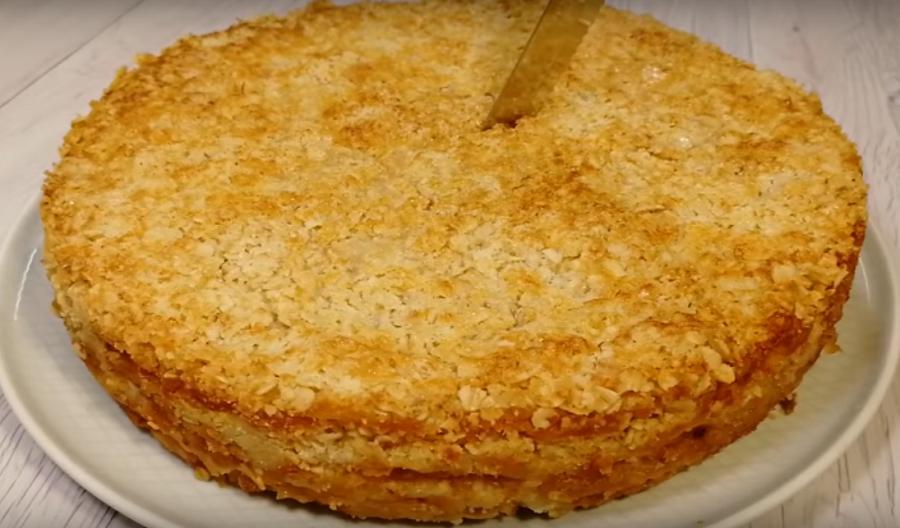 Пирог из овсяных хлопьев с яблоками за 10 минут+время на выпечку