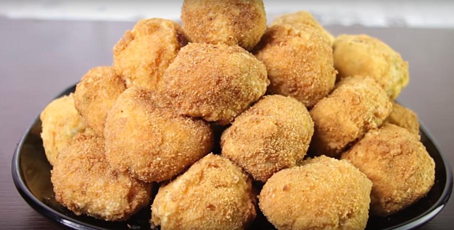 Рисовые шарики с сюрпризом-закуска, которую будут просить еще