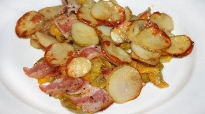 Самая вкусная картошка по-украински: с кабачками и салатом