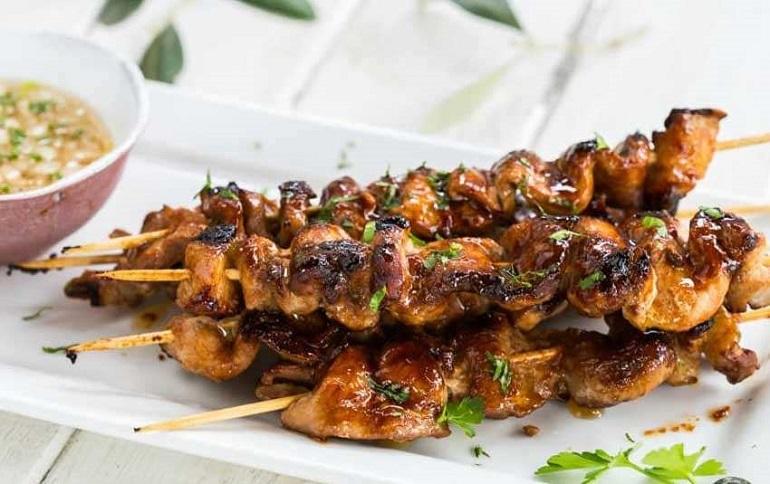 Вкусный и быстрый шашлык с медом и горчицей: какой же праздник без мяса