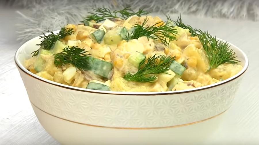 """Салат новогодний """"Панночка""""-легкий салат для дам без майонеза"""