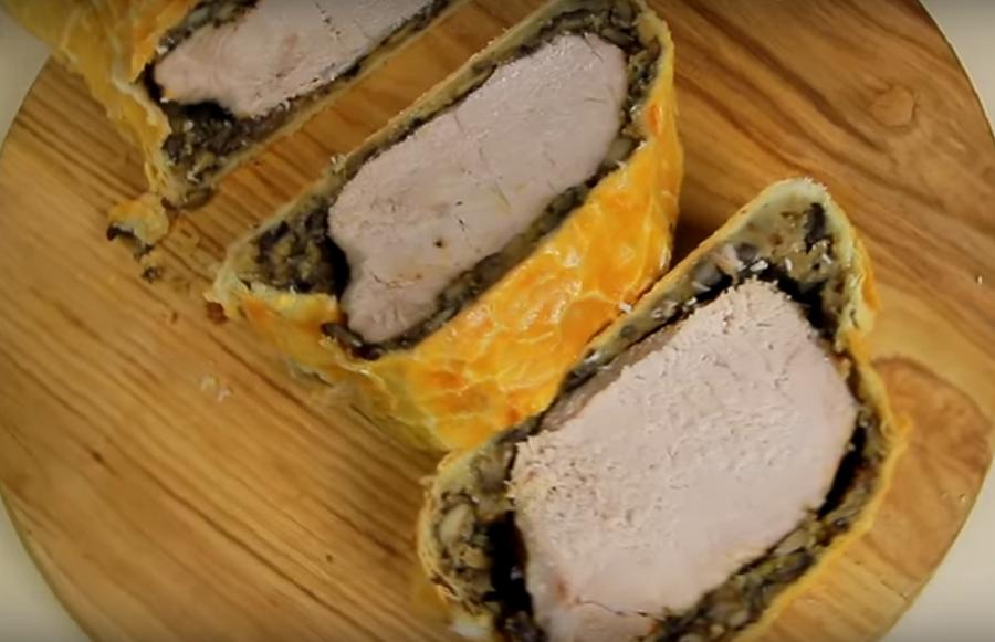 """До чего же вкусно-мясо в """"шубке"""" для праздничного стола"""