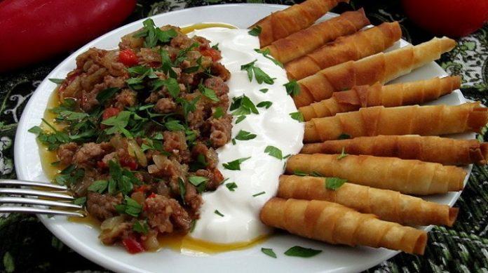 Очень вкусный восточный обед: турецкие рулетики «сигара берек»