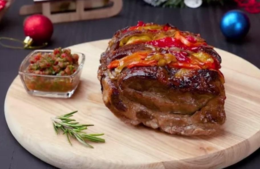 Божественная свинина с овощами в духовке