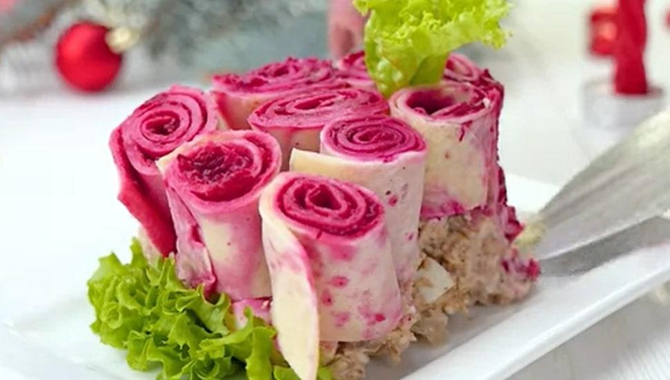 """Изумительно красивый и вкусный салат """"Букет роз"""""""