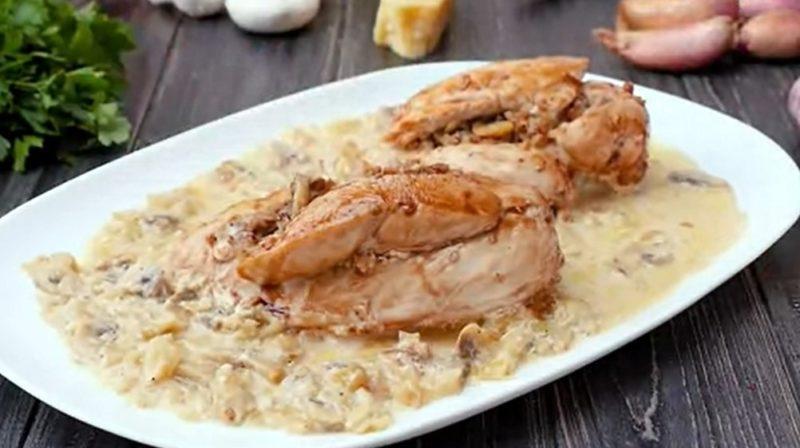 Аппетитные куриные грудки с гречкой