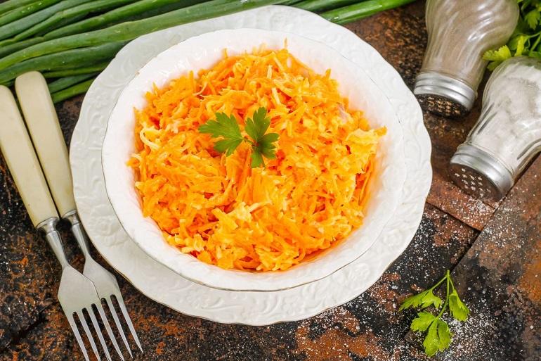 Самый вкусный и простой салат из моркови: классика кулинарного жанра