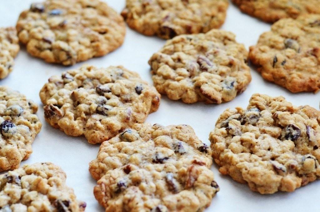 Овсяное печенье с изюмом-вкуснейшее лакомство