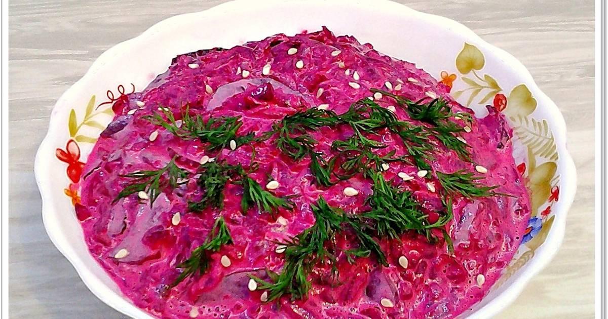 Вкуснейший салатик из свеклы и маринованных огурцов