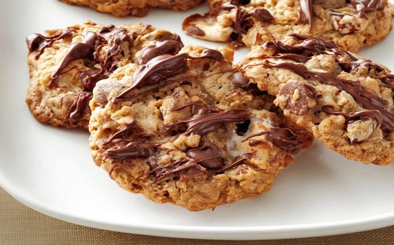 Самое вкусное печенье с орехами и шоколадом: сластенам в подарок