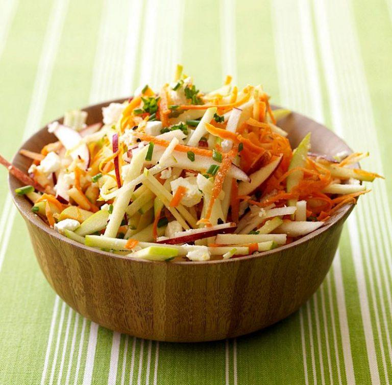 Питаемся правильно-салат из моркови с яблоком