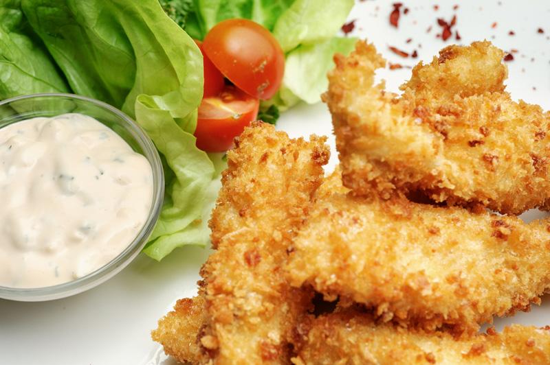 Невероятно вкусная закуска: рыбные палочки