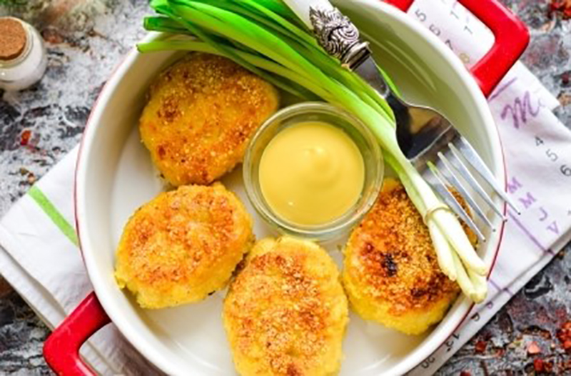 Очень аппетитные котлеты из индейки с картошкой