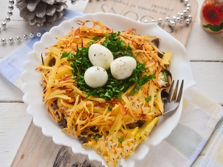 """Вкуснейший салат """"Гнездо глухаря"""" с грибами"""