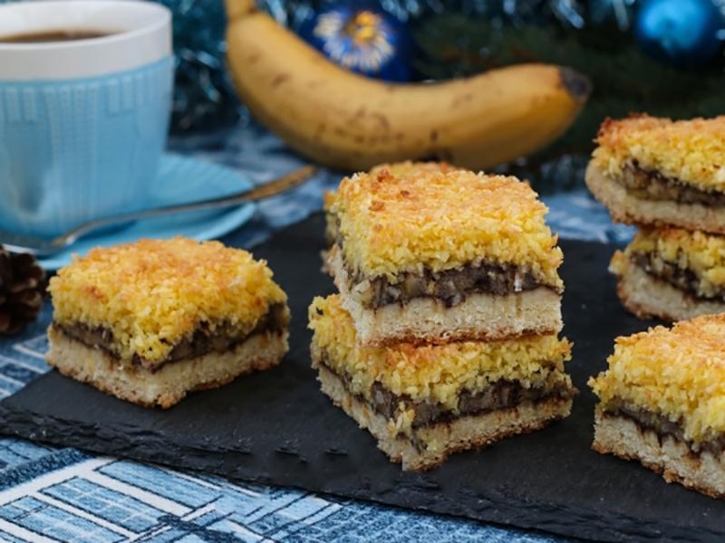 Восхитительно вкусный песочный пирог с бананами