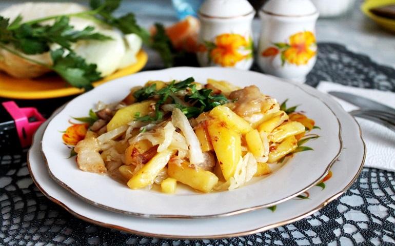 Жареная картошка с квашеной капустой: постное вкусное блюдо
